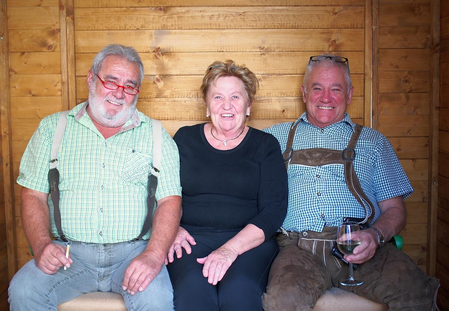 Gäste in Raucherhütte