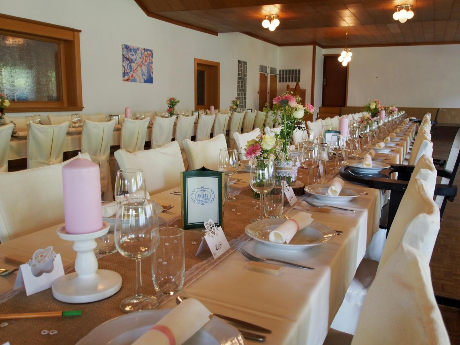 Großer Saal bei einer Hochzeit